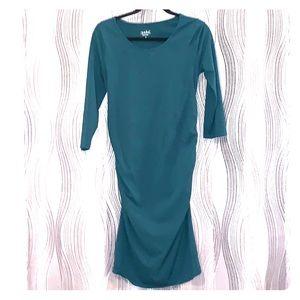 3/4 sleeve maternity body contouring dress